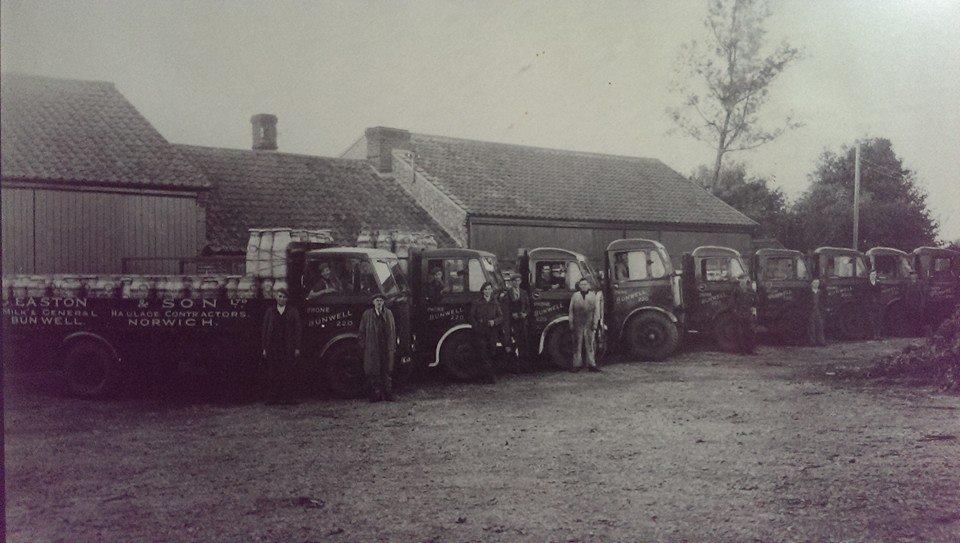 Easton churn lorries at Bunwell, c.1946