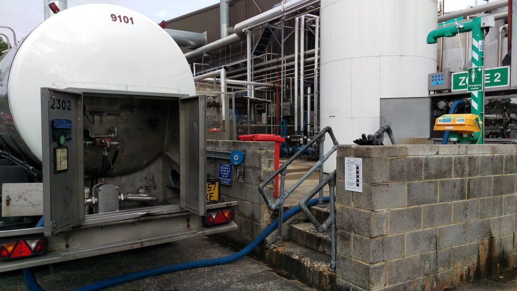 Easton tanker transferring liquid sugar, 2016
